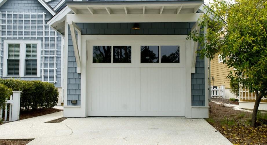 Ciepła brama garażowa
