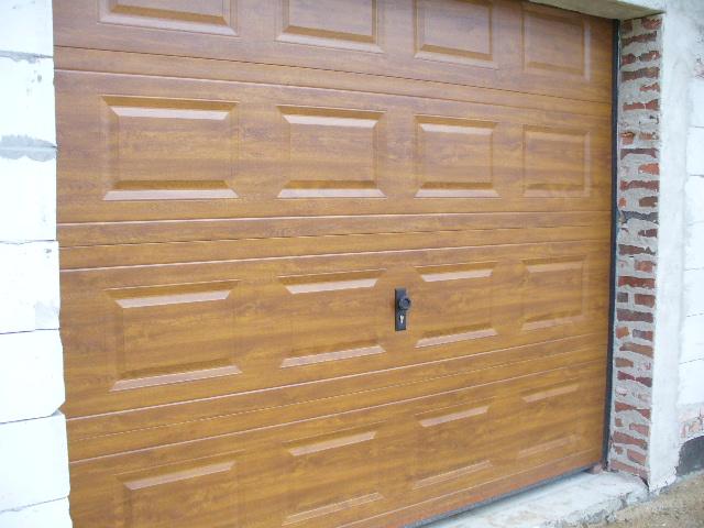 Wodoszczelność, akustyka oraz ocieplenie bramy garażowej