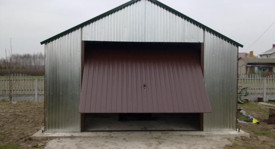 Garaż blaszany: wady i zalety
