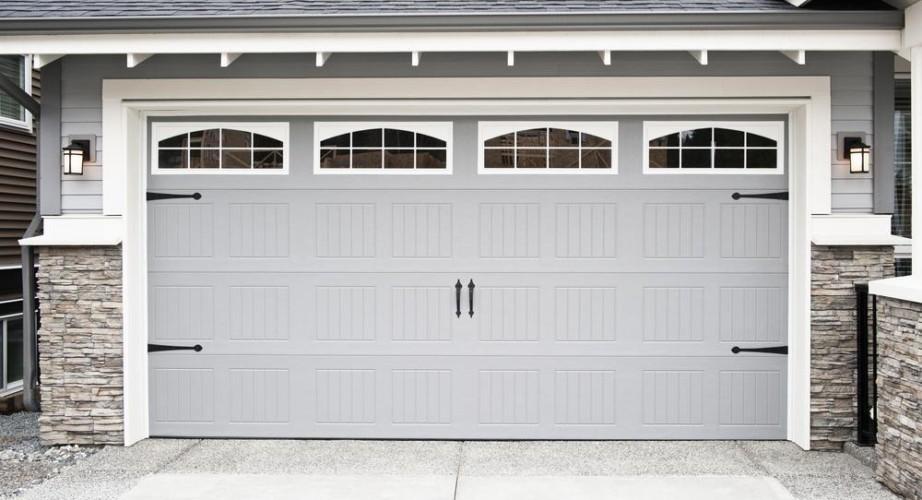 Bramy garażowe – systemy, które możemy dostosować do naszych potrzeb